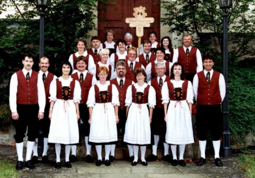 Guppenbild der Winzertanzgruppe